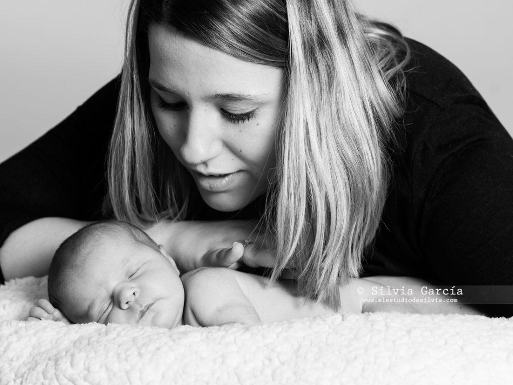 promocion dia de la madre, fotos con mama, newborn fotografia, fotografia familiar Madrid