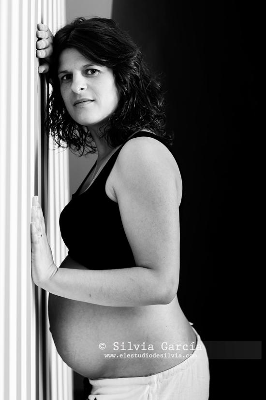 _MG_0040bn, fotografia premama, fotografia de embarazo, fotos premama, fotos de embarazo, fotografia familiar, fotos premama naturales