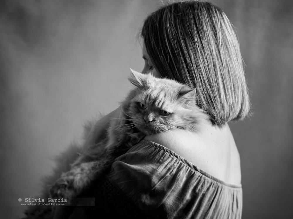 sesion de fotos con mascotas, fotos con gatos, recuerdos con mascota, fotografía de mascotas, fotografía de gatos, retrato con gato