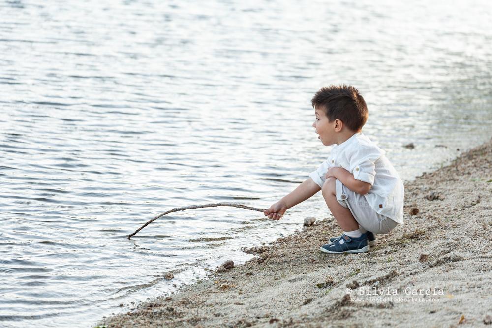 sesiones de verano, fotos de familia naturales, fotografía infantil Madrid, Sierra de Guadarrama, fotos en el campo