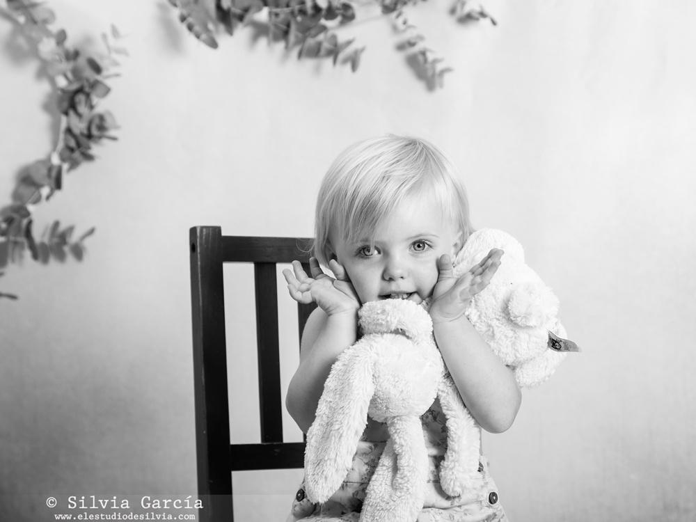 fotografía infantil Moralzarzal, fotos infantiles, fotos de familia diferentes, fotos naturales, fotografía natural, estudio fotográfico Sierra de Madrid, fotógrafo infantil Sierra de Guadarrama, fotógrafo Moralzarzal, familias bonitas, retrato infantil