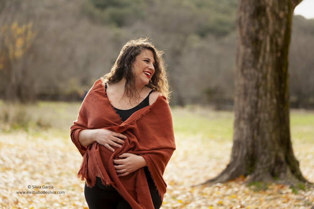 fotos de embarazo, fotos de otoño, fotos en el campo, sierra de guadarrama, sesiones en exteriores, fotografía familiar Madrid